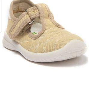NEW Naturino Shoes
